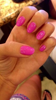 Classic round nails combine short lengths with curved edges and tips. This shape is probably the least likely to break, making it ideal for people who don't want to stop and think before doing something with their hands.