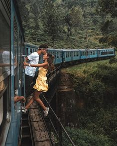 💕✈️ Travel couple goals created by ↡ 📍Made in Sri Lanka 🇱🇰 and remember, tag us in your photos to be featured in our community! Couple Photography, Photography Poses, Travel Photography, Cute Love Pictures, Couple Pictures, Sri Lanka, Couple Fotos, Couple Tumblr, Polaroid