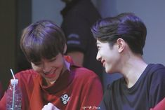 Wanna-One - Guanlin x Jihoon (PanWink) Cho Chang, Guan Lin, Lai Guanlin, Produce 101 Season 2, Online Friends, Kim Jaehwan, Ha Sungwoon, Kpop, 3 In One