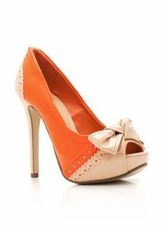 Oxford style patent bow pump