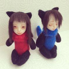 赤いのと青いの。  #ポリマークレイ #polymerclay #人形 #doll #羊毛フェルト #needlefelting