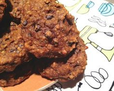 the preppy paleo: Pumpkin Breakfast Cookies (Recipe Revisit) Substitute 1 banana for maple syrup. I skipped the vanilla and added unsweetened coconut, pecans, walnuts, and raisins. Pumpkin Breakfast Cookies, Breakfast Cookie Recipe, Breakfast Recipes, Paleo Breakfast, Pumpkin Cookies, Breakfast Ideas, Pumpkin Spice, Paleo Pumpkin Recipes, Paleo Recipes