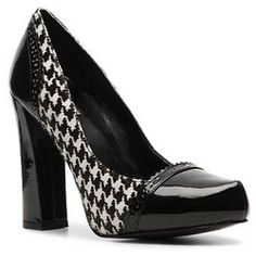 It's safe to say we will all be obsessed with houndstooth come fall!