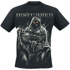 """Classica T-Shirt uomo nera """"Lost Souls"""" dei Disturbed. Sulla maglietta è presente un ampia stampa raffigurante la mascotte della band, The Guy, con in braccio lo scheletro di una donna. In alto è stampato il logo dei #Disturbed."""