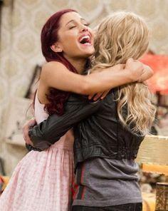 Sam and Cat ; Ariana Grande