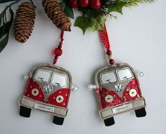 VW van Christmas ornaments of fabric Fabric Christmas Ornaments, Felt Christmas Decorations, Christmas Sewing, Handmade Ornaments, Felt Ornaments, Diy Christmas Gifts, Handmade Christmas, Christmas Décor, Personalized Ornaments