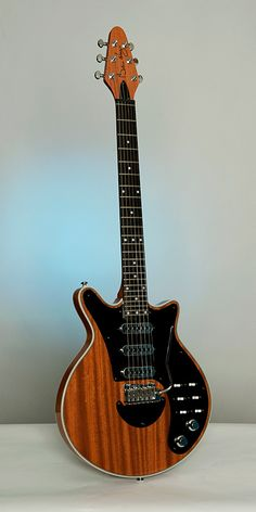 Brian May Special - Antique Cherry