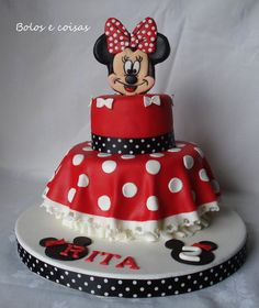 Minnie Mouse Birthday Cake, love this without the Minnie face on the top, then make a matching skirt smash cake