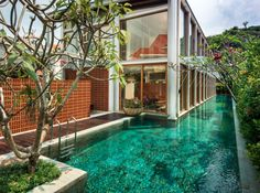 40 Sublime Swimming Pool Designs for the Ultimate Staycation - http://freshome.com/swimming-pool-designs/