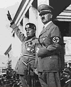 Benito Mussolini y Adolf Hitler. Juntos formaron el Pacto de Acero (22 de mayo de 1939) que los unía en un futuro caso de guerra.