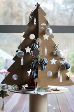 As a big fan of cardboard I was really happy to see JULMYS Christmas tree by Ikea. It is not the most beautiful design in my opinion, and ...
