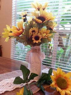 Americana chalky finish and a mini milk vase.  Cute and country summer decoration.