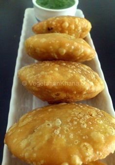 Kachori is an Indian snack similar to samosa (its more famous cousin) but yet different. It is a flaky pastry filled with different spices and lentils. Just like other famous snacks, there are lots of varieties of kachoris in different parts of India. Indian Snacks, Indian Food Recipes, Asian Recipes, Vegetarian Recipes, Indian Appetizers, Brunch Recipes, Breakfast Recipes, Snack Recipes, Cooking Recipes