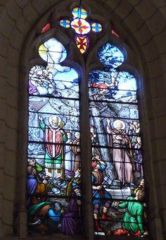 """Eglise Saint-Martin à La Chapelle-Blanche-Saint-Martin (37240) - Les vitraux """"martiniens"""" (1900-1912) (inscrits au titre des monuments historiques)."""