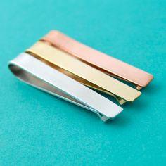 Plain Tie Bar - Handmade Mens Tie Clip - Blank Tie Bar von SpiffingJewelry auf Etsy https://www.etsy.com/de/listing/154447114/plain-tie-bar-handmade-mens-tie-clip