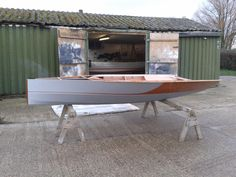 Sailing Dinghy, Sailing Ships, Small Sailboats, Classic Yachts, Fast Boats, Diy Boat, Wood Boats, Boat Design, Small Boats