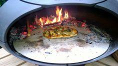 Pizza's bakken met de Morso Outdoor Pizza Oven. Genieten