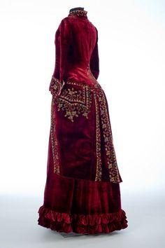 Emile Pingat dress ca. 1885