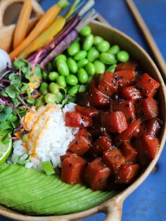 My watermelon poke is so tasty and you will be really surprised with the texture. Make sure you marinate the watermelon for a full day after baking, that way it gets packed full of flavour! Veggie Recipes, Asian Recipes, Whole Food Recipes, Vegetarian Recipes, Veggie Food, Eel Recipes, Vegetarian Cooking, Thai Recipes, Recipes Dinner