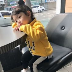 Bonzour vou te su mon intagra romanhistorique roman historique amreading books wattpad mom and baby ulzzang ulzzang _ ulzzang l _ ulzzang liebe familie kids baby Cute Asian Babies, Korean Babies, Asian Kids, Cute Babies, So Cute Baby, Cute Kids, Korean Fashion, Kids Fashion, Ulzzang Kids