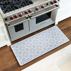 Superbe Suzanne Kasler Quatrefoil Comfort Mat By Ballard Designs (some Kind Of Nice  Floor Mat, Like Reesau0027s).