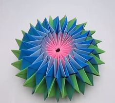 How to make Paper star - Basteln - Origami Paper Flowers Craft, Paper Crafts Origami, Paper Crafts For Kids, Origami Art, Flower Crafts, Diy Paper, Origami Flowers, Paper Folding Crafts, Geometric Origami