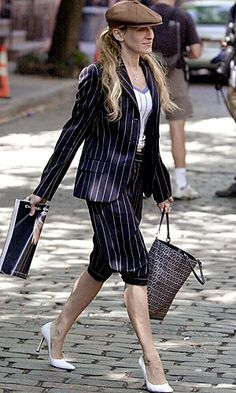 celeb trend Carrie SATC english gentlemen flat cap and stripy suit