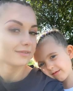 Sisters ❤🥰 #friz #wersow #sisters #polishgirl #beauty #instagirl #sweet #cute #makeup #eyemakeup #alien #young #littlesister #smile #potd & Makeup, Sisters, Beauty, Make Up, Beauty Makeup, Beauty Illustration, Bronzer Makeup
