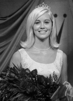 Cybill Shepherd ~ Miss Teenage Memphis pageant in October 1966.