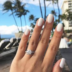 White nail art is increasingly popular and looks great with any skin tone. Check out the best design ideas for 2020 here White Acrylic Nails, Summer Acrylic Nails, Best Acrylic Nails, Matte White Nails, Square Acrylic Nails, White Nail Polish, White Acrylics, Hair And Nails, My Nails