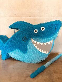 16th Birthday, 2nd Birthday Parties, Diy Piñata, How To Make Pinata, Baby Shark Song, Shark Party, Party Themes, Dinosaur Stuffed Animal, Paw Patrol
