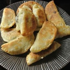 Mushroom Empanadas..... These were ok but not great. The pastry was way too crumbly and was tricky to cook because of this. Maybe next time trying with wanton wrappers as the mushroom mixture was yummy