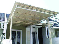Superb pergola with canopy diy for your cozy home - Modern Cozy Patio, Diy Canopy, Canopy Design, House Entrance, Windows Exterior, House Exterior, Pergola Canopy, Architecture Exterior, Kitchen Window Design