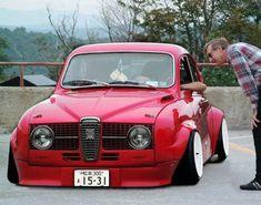 Slammed old school Saab. Saab Automobile, Saab Turbo, Super Images, Saab 900, Small Cars, Retro Cars, Car Car, Fiat 500, Motor Car
