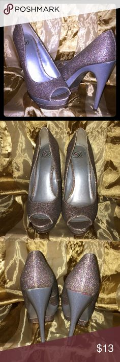 Holo glitter heels Pre loved glittery holo 👠, they are one of my favorite shoes. They have some flaws. Price reflects condition. D Shoes Heels