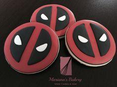 Deadpool cookies Deadpool favor sugar cookies (1 Dozen) de MarianasBakery en Etsy https://www.etsy.com/es/listing/269518104/deadpool-cookies-deadpool-favor-sugar