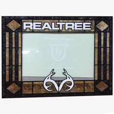 7258e0b4a0392 Our Art-Glass Picture Frame is an attractive frame hand-printed in White and