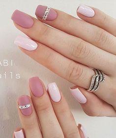 nail art, cute nails, black an white nail Classy Nails, Stylish Nails, Simple Nails, Trendy Nails, Vernis Rose Gold, Gorgeous Nails, Love Nails, Matte Nails, Pink Nails