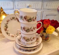 Vintage Royal Standard Lyndale Teacup Trio. by VerasTreasures, £10.00