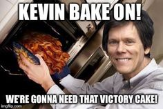 Funny KETO Memes for those on the Ketogenic diet. If you are eating low carb and need a good laugh, these viral funny images will give you a good giggle. Bacon Funny, Best Bacon, Kevin Bacon, Keto Flu, Ketogenic Diet Plan, Keto Recipes, Funny Memes, Low Carb