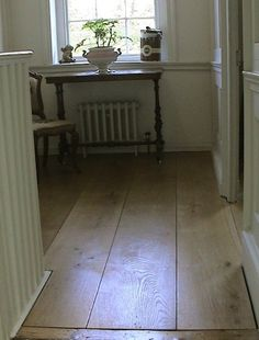 wide plank distressed laminate