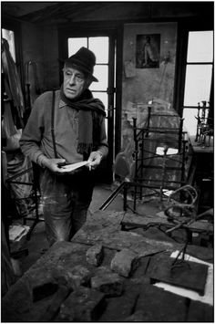 Diego Giacometti by Martine Franck  http://www.photo.fr/blog/adieu-martine.html