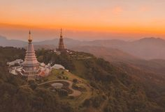Looking for the best day trips from Chiang Mai? This list of the best Chiang Mai day tours according to travel experts has got you covered. Thailand Travel Tips, Asia Travel, Bangkok Thailand, Parc National, National Parks, The Tourist, Thailand Pictures, Doi Inthanon National Park, Elephant Nature Park
