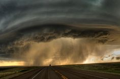 supercell storm | Perfect storm: amazing photos of supercell thunderstorms, by Sean R ...