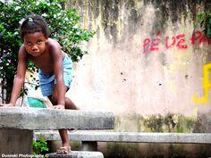 Pe De Paz - Feet of Peace, a little girl in a favella in Rio De Janeiro