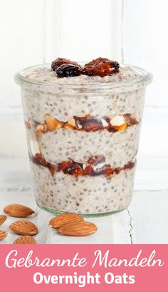 7 overnight oats for winter - Healthy breakfast overnight: We show you a recipe for overnight oats with roasted almonds! Oats Recipes, Sweet Recipes, Dessert Recipes, Weigt Watchers, Thanksgiving Vegetables, Clean Eating Breakfast, Breakfast Healthy, Overnight Oatmeal, Food Club