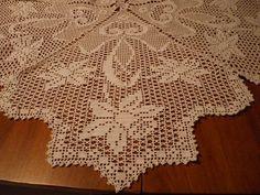 Ravelry: Filet Crochet Daffodil Teacloth. Free pattern by Coats & Clark.