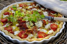 Franciska Beautiful World Norwegian Food, Norwegian Recipes, Vegetable Pizza, Food Inspiration, Food And Drink, Ricotta, Tarts, Quiche, Food Ideas