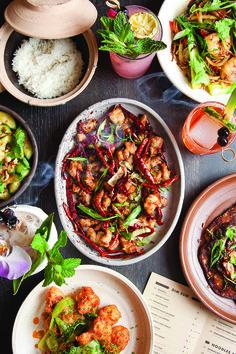 Chefs Dan Jacobs and Dan Van Rite have pooled their skills and love of Asian food at the offbeat Asian restaurant Dandan.