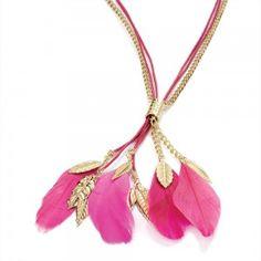 pembe tüylü altın zincirli şık bayan kolye modeli